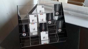 pleksi-masa-üstü-kartvizit-standı